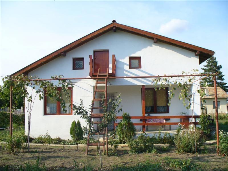 immobilien haus in bezvoditsa dobrich bulgarien haus 80 qm 5 zimmer bad grundst 1500 qm. Black Bedroom Furniture Sets. Home Design Ideas