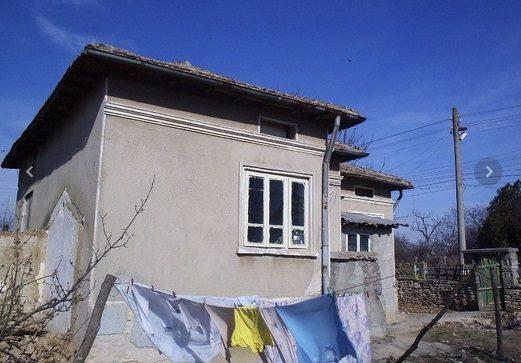 immobilier spasovo dobrich bulgarie maison 72 m 3 chambres sous sol terrain de 880 m. Black Bedroom Furniture Sets. Home Design Ideas