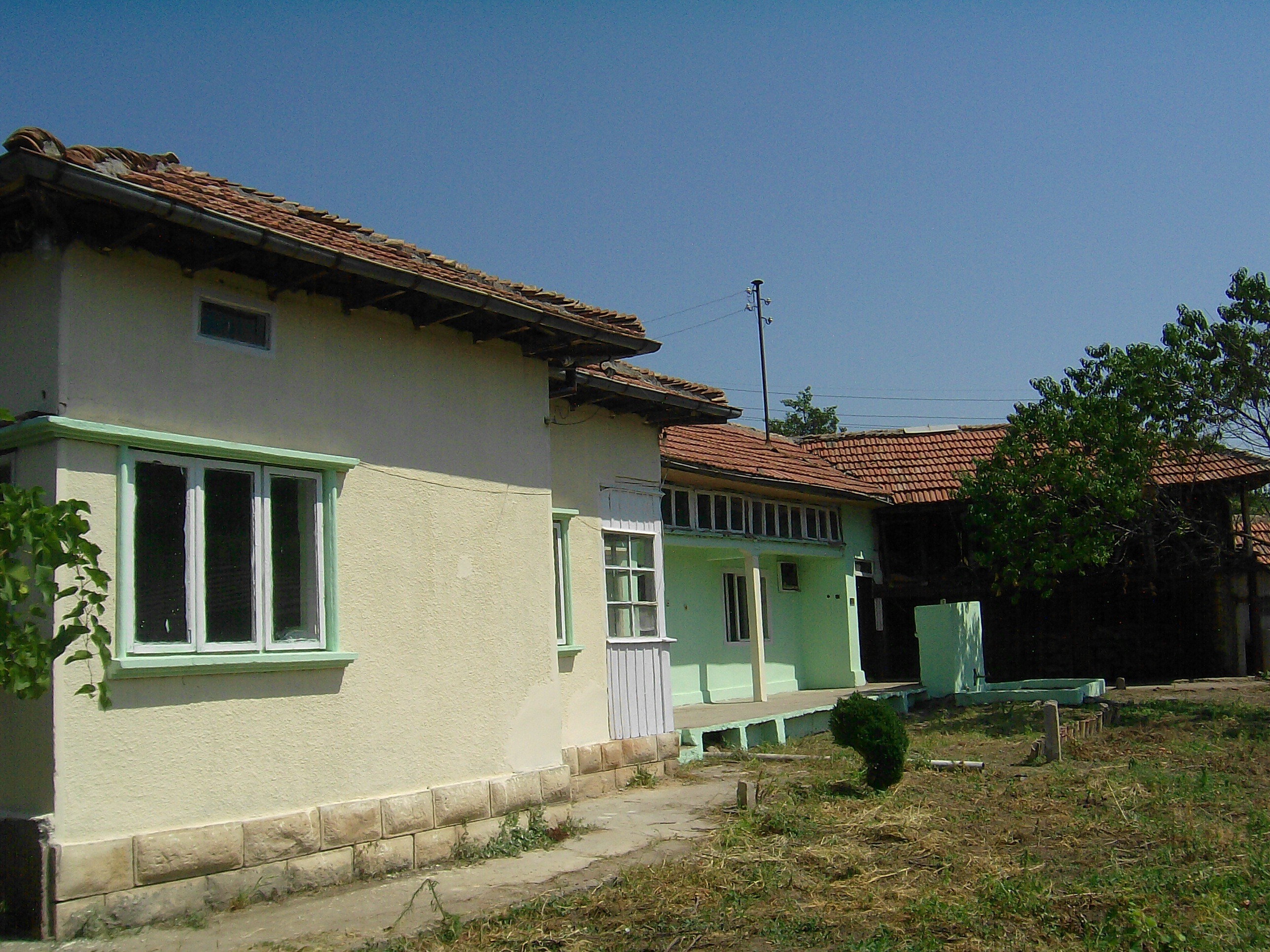immobilien haus in karamanovo ruse bulgarien 70 qm haus land qm garage 25 qm. Black Bedroom Furniture Sets. Home Design Ideas