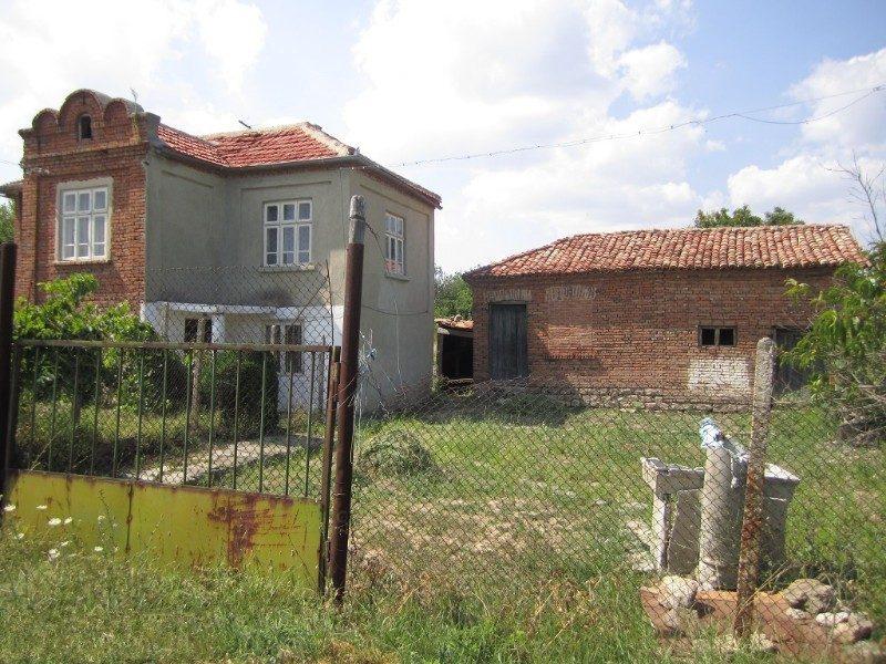 immobilien haus in bolyartsi varna bulgarien haus auf zwei etagen 2 schlafzimmer k che. Black Bedroom Furniture Sets. Home Design Ideas