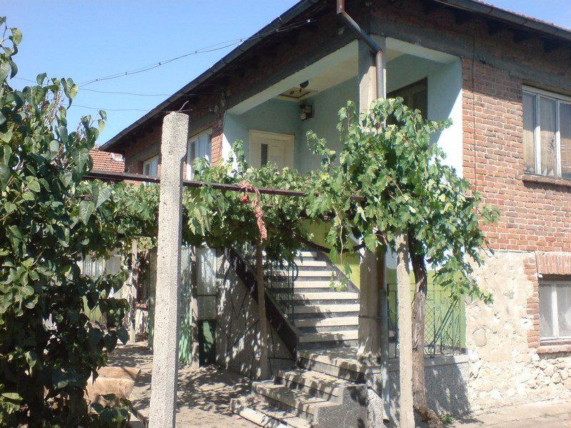 immobilien haus in bogdanitsa plovdiv bulgarien haus 90m2 garten 800m2 drei schlafzimmer. Black Bedroom Furniture Sets. Home Design Ideas