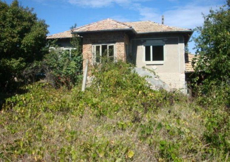 Immobilier vratarite dobrich bulgarie maison 60m2 for Jardin 60m2