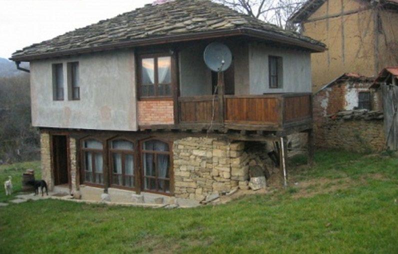 Immobilier staro selo lovech bulgarie maison de style for Jardin 120m2