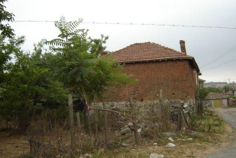 Immobilier momina tsarkva burgas bulgarie maison 120m2 for Jardin 120m2