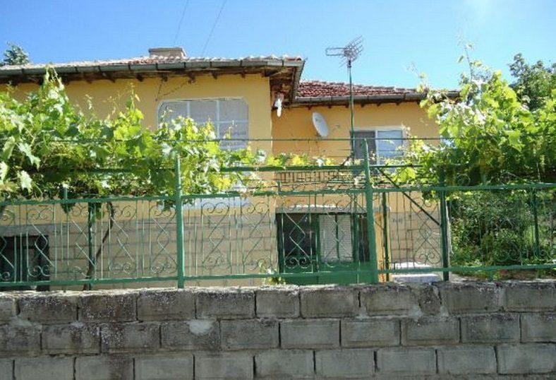 Immobilier dalgopol varna bulgarie maison 100m2 for Jardin 700m2
