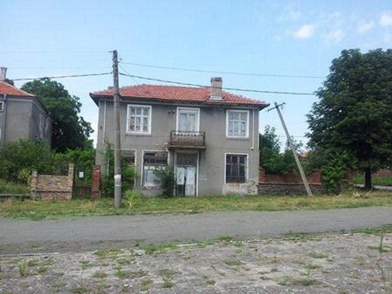 Immobilier krushovo burgas bulgarie maison 70m2 for Jardin 70 m2