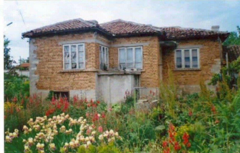 immobilien haus in neykovo dobrich bulgarien haus 70 qm 3 zimmer keller land 1900 qm 12. Black Bedroom Furniture Sets. Home Design Ideas