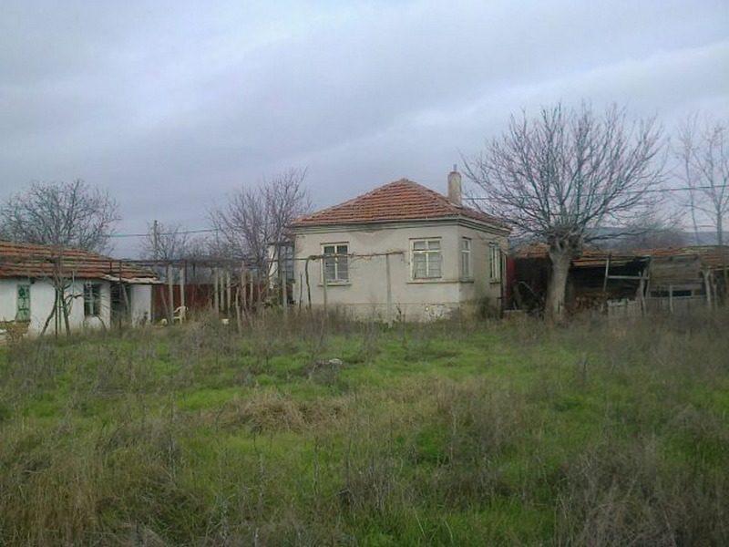 Immobilier sigmen burgas bulgarie maison 70m2 jardin for Jardin 70 m2