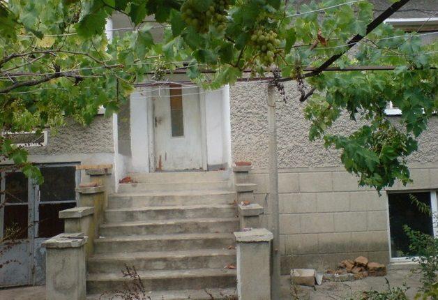Immobilier asenovets sliven bulgarie maison 200m2 for Jardin 200m2