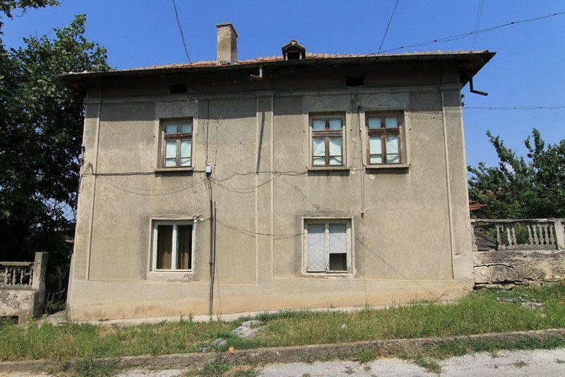 immobilien haus in ostrov vratsa bulgarien 2200 qm garten 6 zimmer wirtschaftsgeb ude in. Black Bedroom Furniture Sets. Home Design Ideas