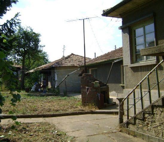 Immobilier sushitsa veliko tarnovo bulgarie maison for Jardin 120m2
