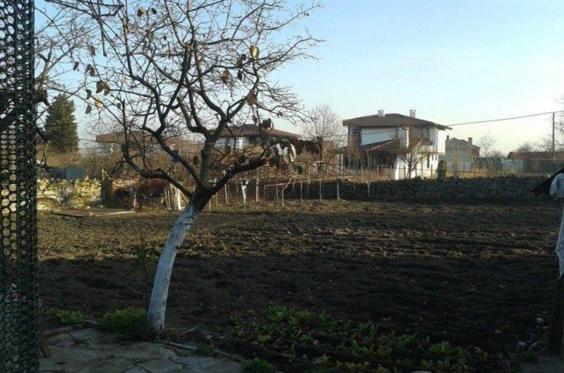 Immobilier iskra burgas bulgarie maison de 70m2 for Jardin 70 m2