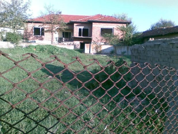 Immobilier svirkovo haskovo bulgarie maison 130m2 for Jardin 130m2