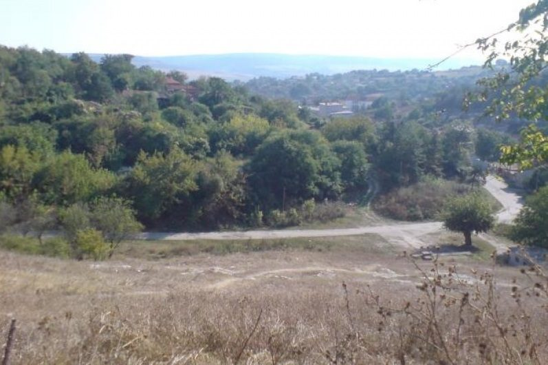 Immobilier katselovo ruse bulgarie maison 120m2 for Jardin 120m2