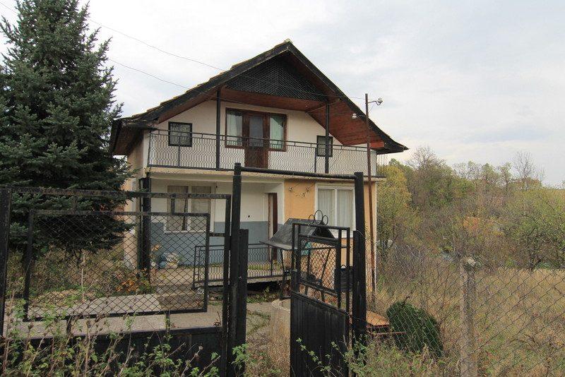 immobilien haus in vratsa vratsa bulgarien 100 qm haus 1000 qm garten am ortsrand ot wraza. Black Bedroom Furniture Sets. Home Design Ideas