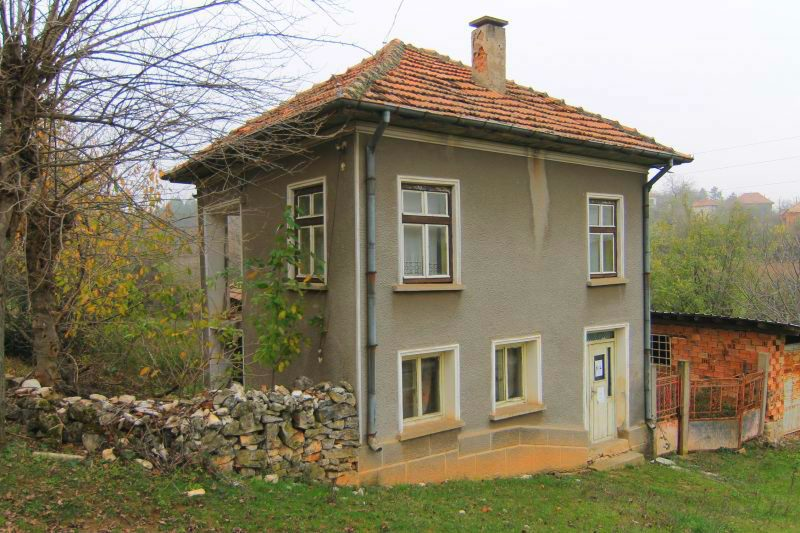immobilien haus in drashan vratsa bulgarien 150 qm haus 1700 qm garten bergen 100 km. Black Bedroom Furniture Sets. Home Design Ideas