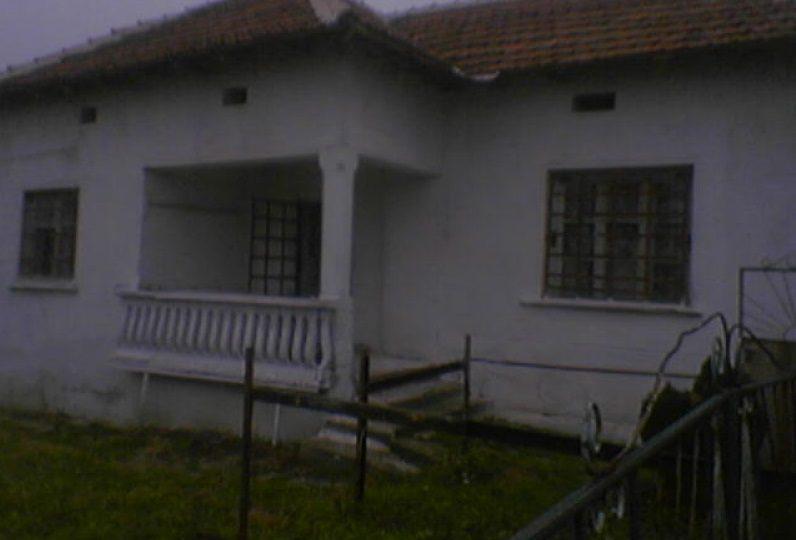 immobilier razgrad montana bulgarie maison de 60m2 2 chambres 10 km de danube. Black Bedroom Furniture Sets. Home Design Ideas