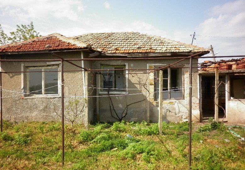 immobilier krumovo yambol bulgarie maison de 60m2 2 chambres coucher pr s du barrage. Black Bedroom Furniture Sets. Home Design Ideas