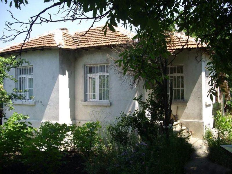 immobilien haus in troyanovo burgas bulgarien 70 qm garten 1900 qm 3 zimmer 30 km vom meer. Black Bedroom Furniture Sets. Home Design Ideas