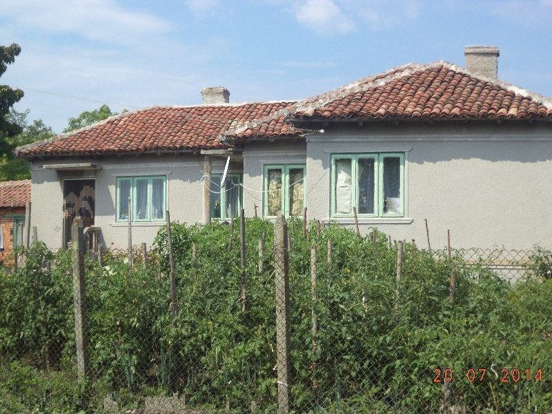 immobilien haus in kamen bryag dobrich bulgarien 3. Black Bedroom Furniture Sets. Home Design Ideas