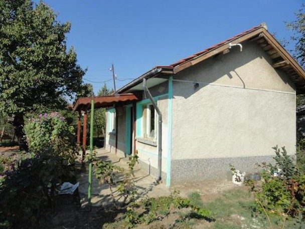 immobilien haus in ezerovo varna bulgarien 50 qm bungalow 1400 qm land 6 km von varna. Black Bedroom Furniture Sets. Home Design Ideas
