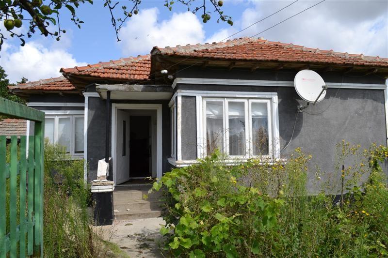 immobilien haus in tsarichino dobrich bulgarien haus 63 qm 3 zimmer k che land 1100 qm. Black Bedroom Furniture Sets. Home Design Ideas