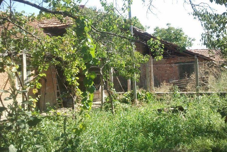 Immobilier ivancha veliko tarnovo bulgarie maison for Jardin 120m2
