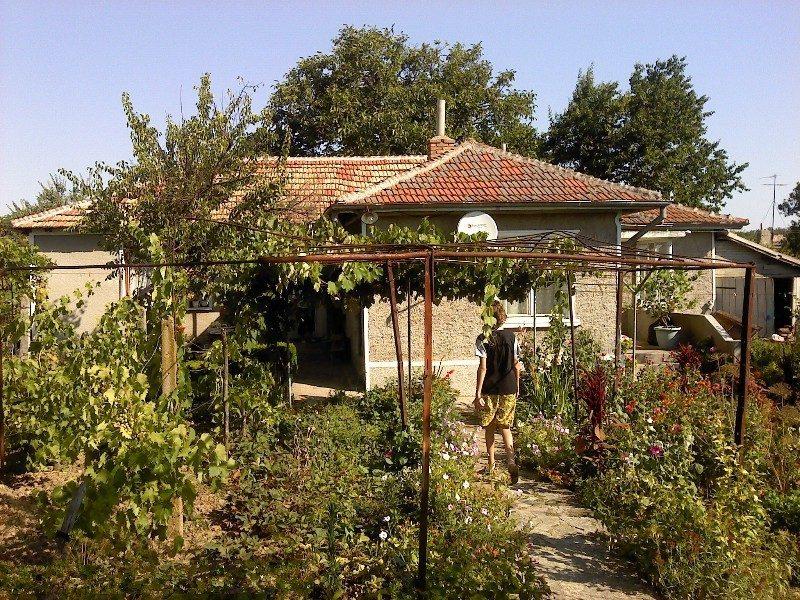 immobilien haus in durankulak dobrich bulgarien haus 90 qm 3 schlafzimmer bad grundst ck. Black Bedroom Furniture Sets. Home Design Ideas
