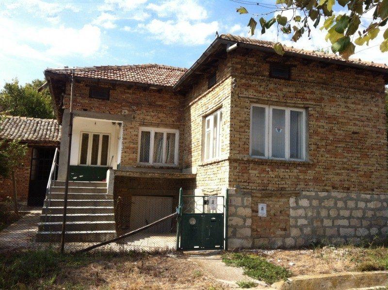 immobilien haus in kipra varna bulgarien haus 120 qm 4 schlafzimmer bad grundst ck 1300. Black Bedroom Furniture Sets. Home Design Ideas