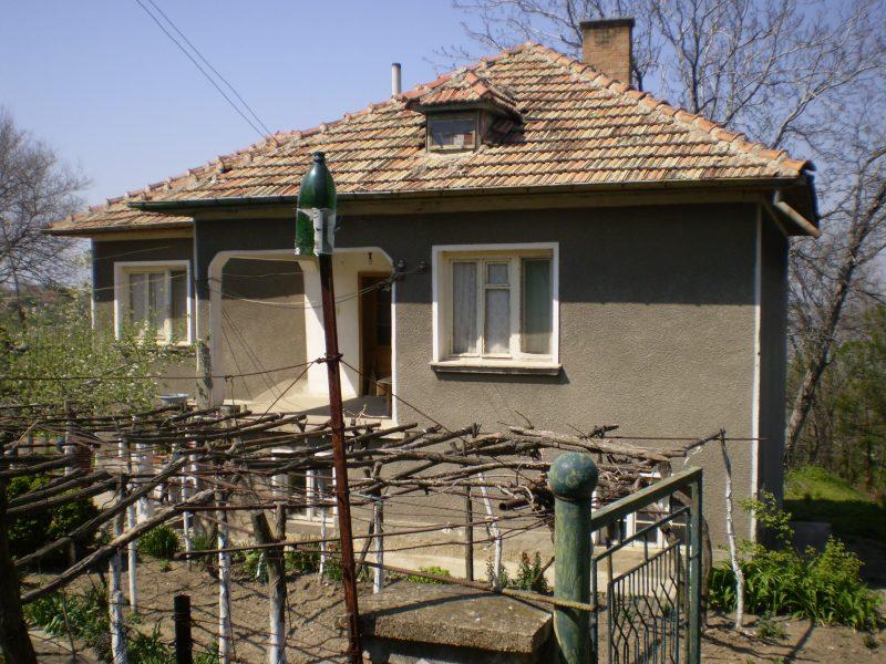immobilien haus in ostrov vratsa bulgarien mit rabatt 100 qm haus 3 schlafzimmer 2420 qm. Black Bedroom Furniture Sets. Home Design Ideas