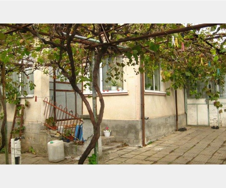 immobilien haus in preselentsi dobrich bulgarien haus 70 qm 2 schlafzimmer bad. Black Bedroom Furniture Sets. Home Design Ideas