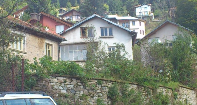 immobilien haus in manastir plovdiv bulgarien 50 qm villa 2 schlafzimmer 440 qm garten. Black Bedroom Furniture Sets. Home Design Ideas