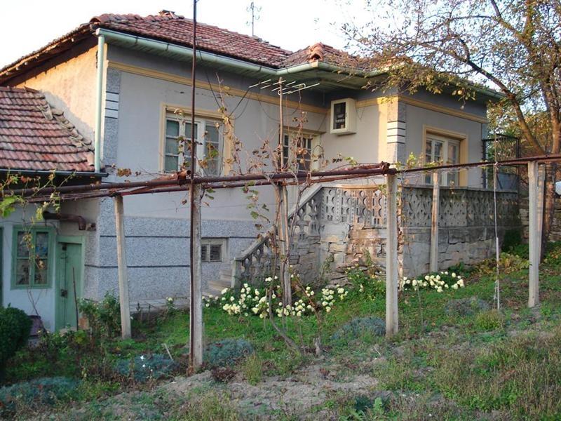 immobilien haus in strazhitsa veliko tarnovo bulgarien 2 etagen haus 50 km von veliko. Black Bedroom Furniture Sets. Home Design Ideas