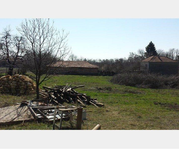 immobilier karamanite varna bulgarie bungalow 46 m 1450 m plus jardin 58 km varna. Black Bedroom Furniture Sets. Home Design Ideas