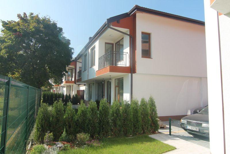 immobilien haus in lozen sofia city bulgarien. Black Bedroom Furniture Sets. Home Design Ideas