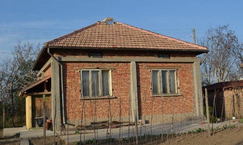 immobilien haus in byala voda pleven bulgarien 70 qm haus 2 schlafzimmer 1000 m garten. Black Bedroom Furniture Sets. Home Design Ideas