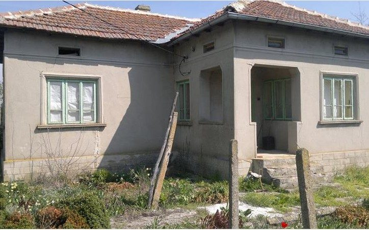 immobilien haus in zmeevo dobrich bulgarien bungalow 80 qm 1720 qm garten 27 km zum meer. Black Bedroom Furniture Sets. Home Design Ideas