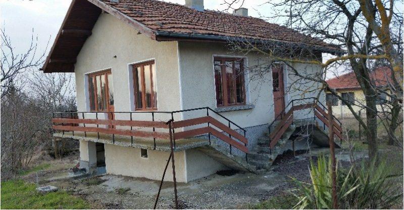 immobilien haus in kitka varna bulgarien 80 qm bungalow 800 m garten 22 km nach varna. Black Bedroom Furniture Sets. Home Design Ideas
