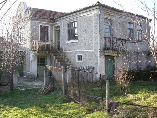 immobilien haus in metlichina varna bulgarien 3 schlafzimmer haus 1410 qm garten 50 km. Black Bedroom Furniture Sets. Home Design Ideas