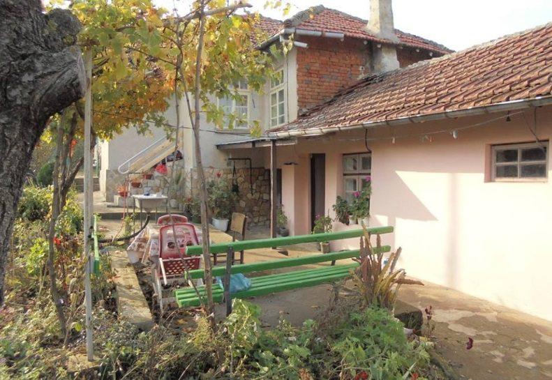 immobilien haus in chereshovo ruse bulgarien 120 qm haus 2000 qm garten 20 km vom donau. Black Bedroom Furniture Sets. Home Design Ideas
