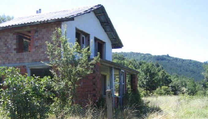 immobilien haus in dolno uyno kyustendil bulgarien 90 qm haus 1000 qm garten an fu e. Black Bedroom Furniture Sets. Home Design Ideas