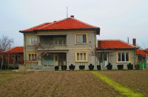 immobilien haus in cherna gora stara zagora bulgarien 150 qm haus 1000 qm garten auf dem. Black Bedroom Furniture Sets. Home Design Ideas