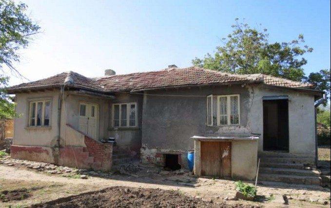 immobilien haus in spasovo dobrich bulgarien 70 qm bungalow 900 m garten 20 km zum meer. Black Bedroom Furniture Sets. Home Design Ideas