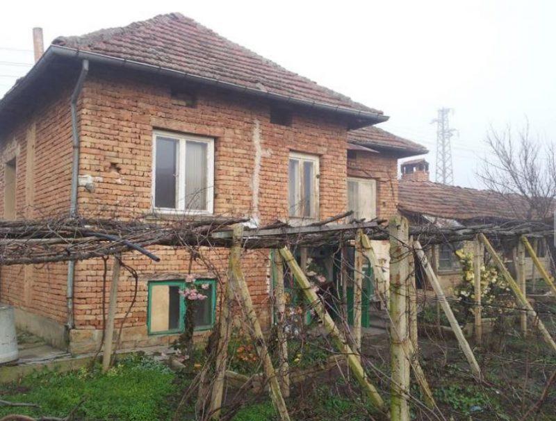 immobilien haus in delyanovtsi veliko tarnovo bulgarien 90 qm haus 2000 qm garten in. Black Bedroom Furniture Sets. Home Design Ideas