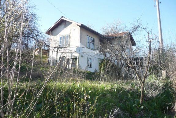 immobilien haus in mursalevo kyustendil bulgarien 70 qm haus 700 qm garten den bergen 80. Black Bedroom Furniture Sets. Home Design Ideas