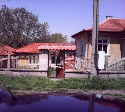 immobilien haus in knizhovnik haskovo bulgarien 80 qm ferienhaus 1200 qm garten am see. Black Bedroom Furniture Sets. Home Design Ideas