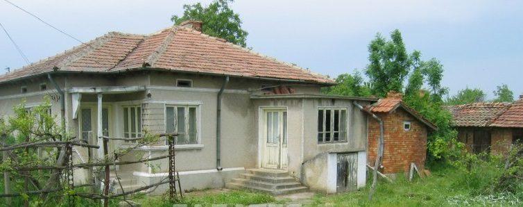 immobilien haus in sokolovo dobrich bulgarien 50 qm haus 1600 qm garten 7 km von balchik. Black Bedroom Furniture Sets. Home Design Ideas