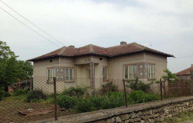 immobilien haus in spasovo dobrich bulgarien 80 qm bungalow 4520 sq m garten 20 km zum meer. Black Bedroom Furniture Sets. Home Design Ideas