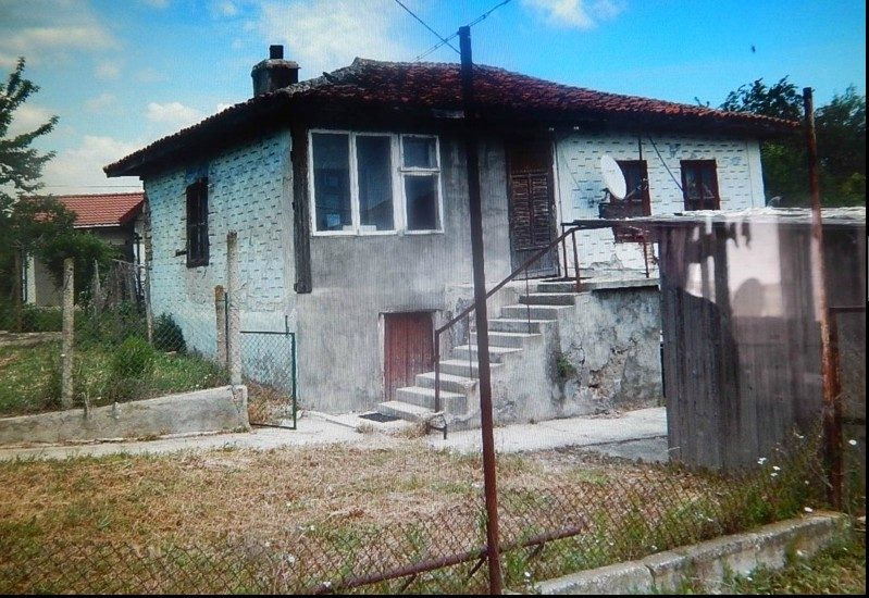 immobilien haus in bliznatsi varna bulgarien 80 qm bungalow 980 m garten 4 km zum meer. Black Bedroom Furniture Sets. Home Design Ideas