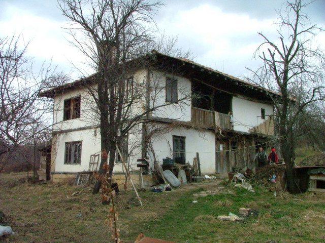 immobilien haus in tryavna gabrovo bulgarien 120 qm steinhaus 1000 qm garten 4 km von tryavna. Black Bedroom Furniture Sets. Home Design Ideas
